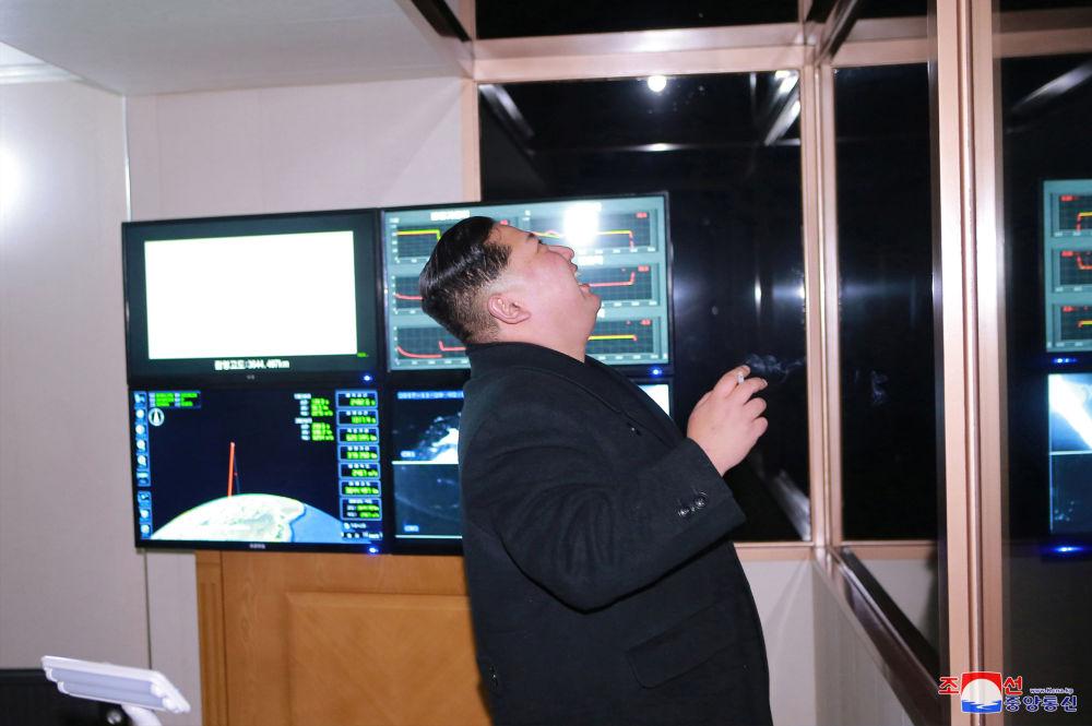 Corea del Nord, i francobolli dedicati al lancio del missile Hwasong-15