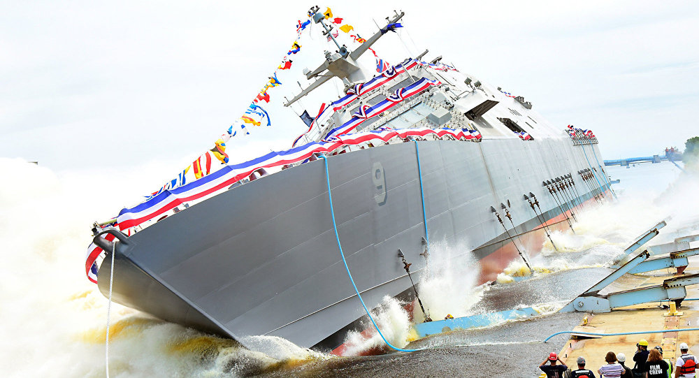 La USS Little Rock durante il varo
