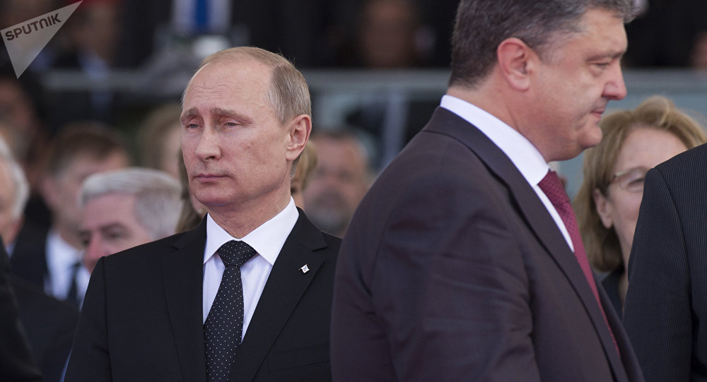 Petro Poroshenko e Vladimir Putin (foto d'archivio)