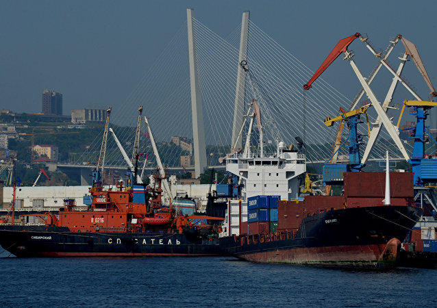 Il porto di Vladivostok
