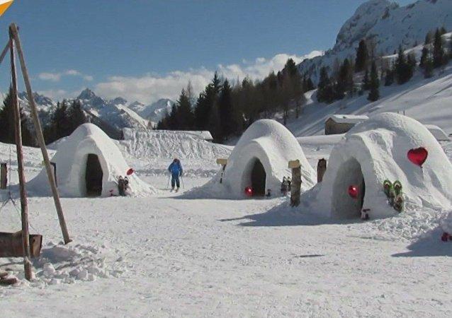 Igloo sulle Alpi italiane