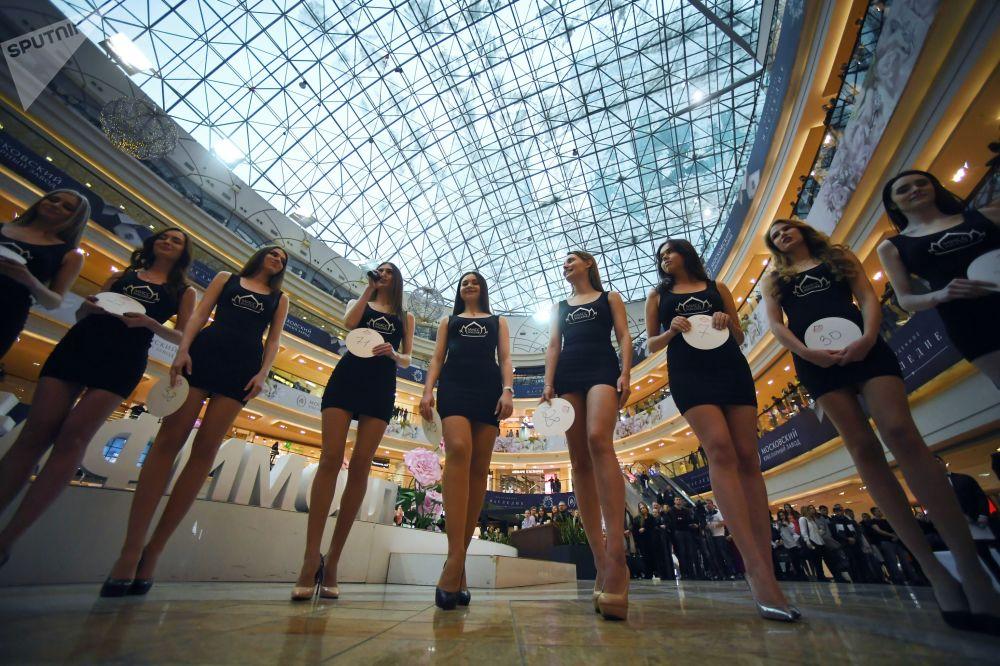 Le partecipanti al casting del contesto nazionale Miss Russia a Mosca