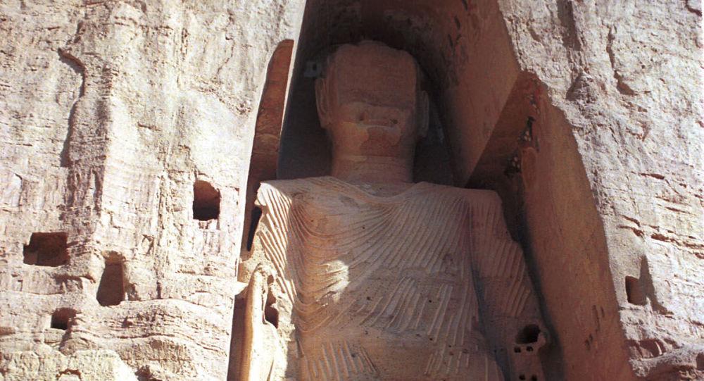 Statua di Buddha, alta 53 metri, nei pressi di Kabul