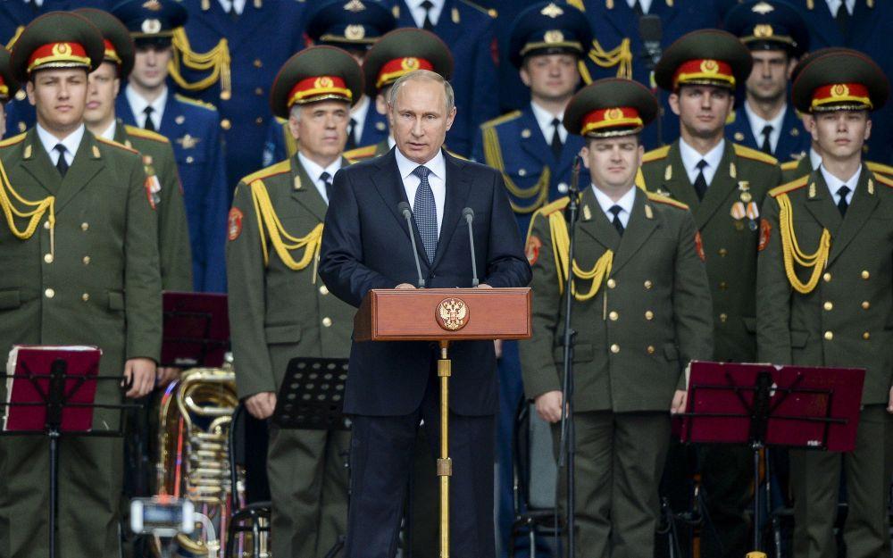 Presidente della Federazione Russa Vladimir Putin alla ceremonia d'inaugurazione del forum Armija-2015.