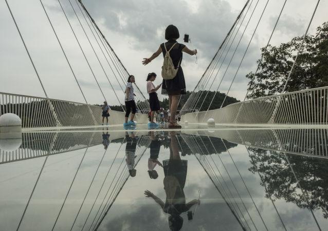 I 10 ponti più strani del mondo