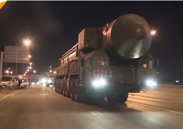 Le manovre dei sistemi missilistici balistici Yars a Mosca