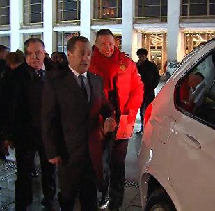 Il premier russo Dmitry Medvedev e BMW