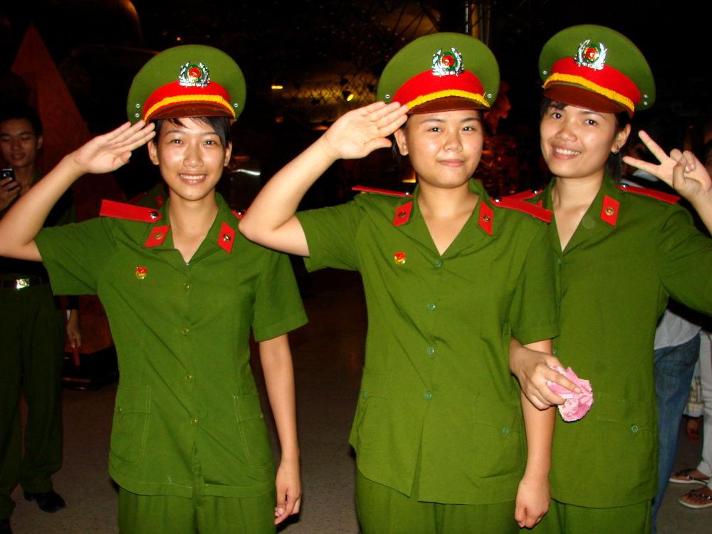 Le donne dell'esercito vietnamita.