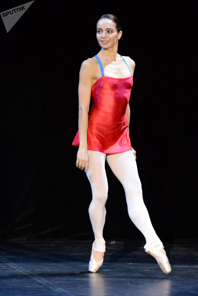 La ballerina Diana Vishneva alle prove a Mosca.