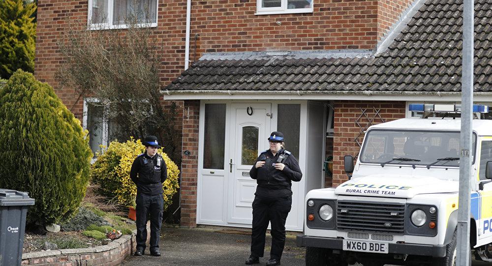 Polizia sta di fronte alla casa dell'ex 007 russo Sergei Skripal