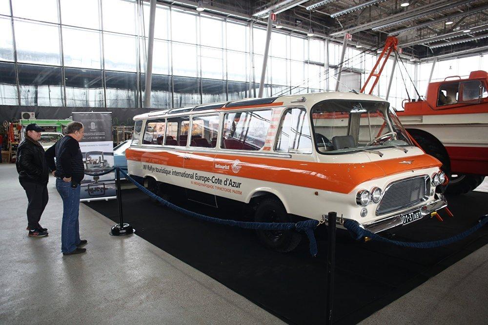 In Unione Sovietica sapevano fare le auto (e anche belle)
