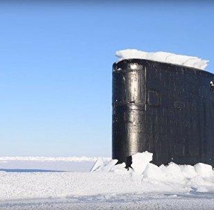 Sottomarino americano Hartford (SSN 768) bloccato nel ghiaccio