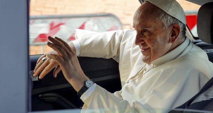 Il Papa andrà presto a Washington tra le polemiche più aspre.