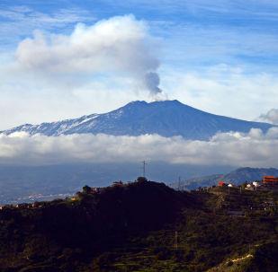 L'eruzione dell'Etna in Sicilia
