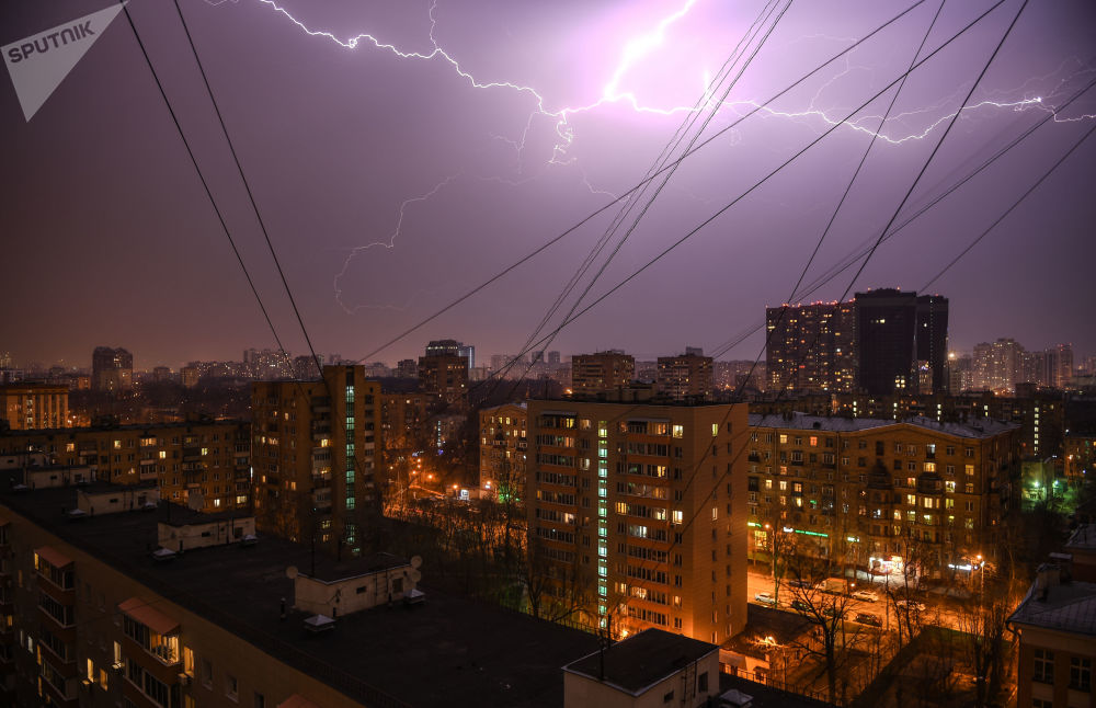 Un temporale di primavera a Mosca.