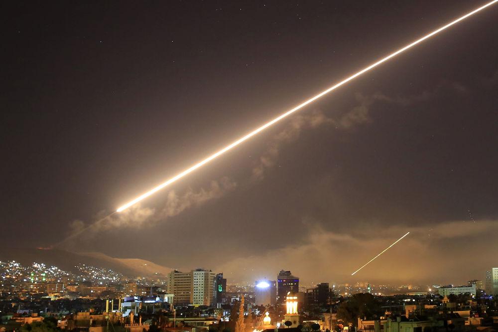 L'attacco missilistico degli USA a Damasco, Siria.
