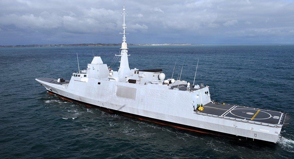 La fregata francese Aquitaine
