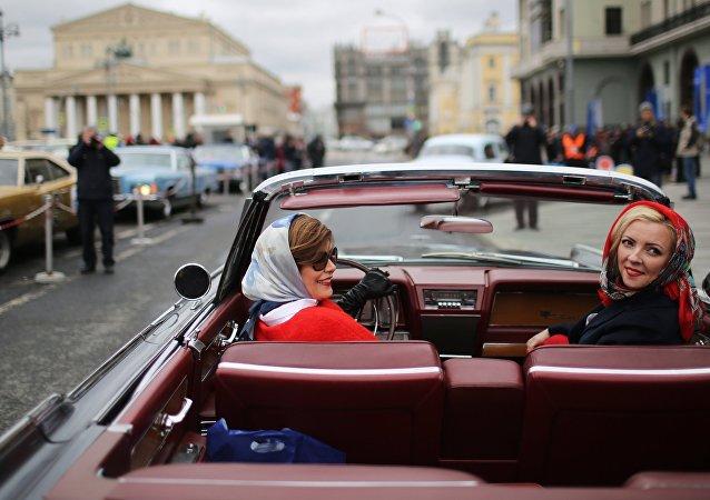 Rally sovietico per le strade di Mosca