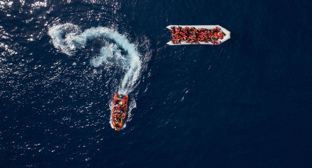 Neonato salvato in mare. Open Arms: