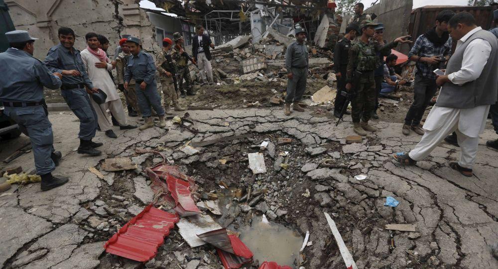 Buca dall'esplosione vicino al Parlamento afghano