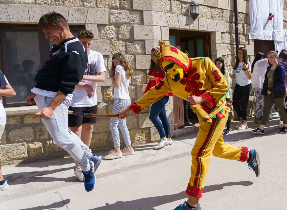 Il festival El Colacho a Castrillo de Murcia.