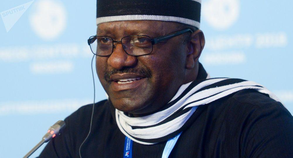 L'ambasciatore della Nigeria in Russia Steve Davis Ugba