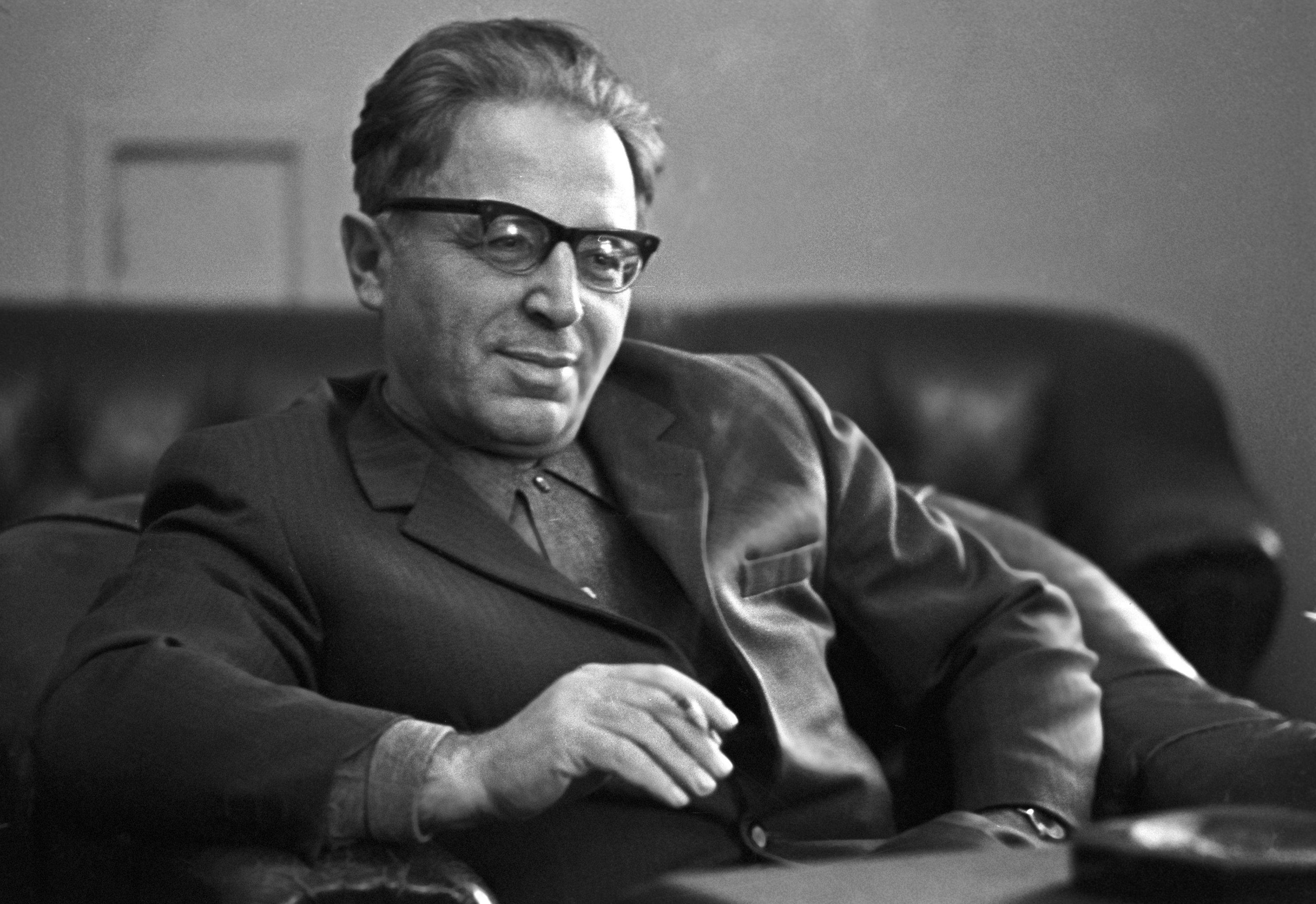 Astronomo sovietico Yosif Shklovsky