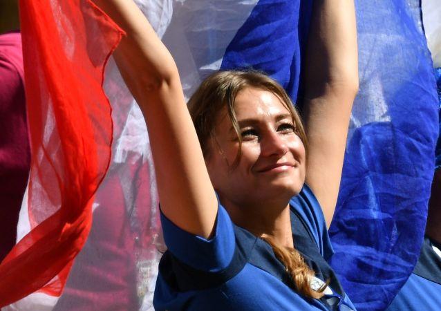 Una tifosa francese ai Mondiali
