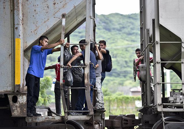 Clandestini al confine USA-Messico