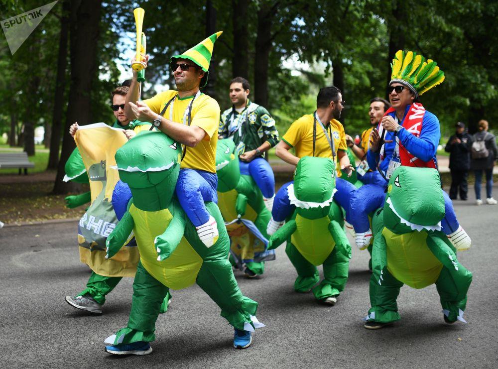 I fan braziliani prima della partita tra il Brasile e la Costa Rica.