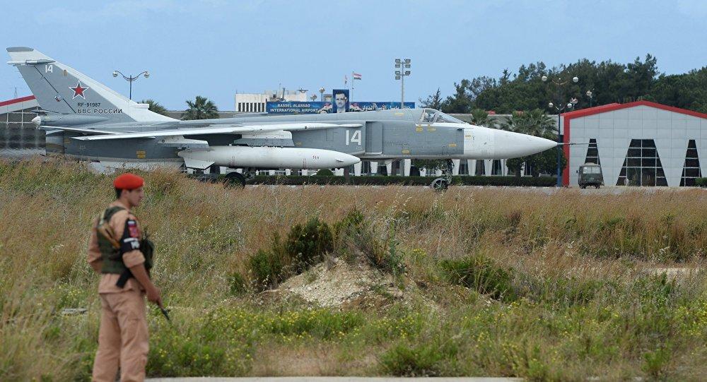 La base aerea di Hmeimim in Siria