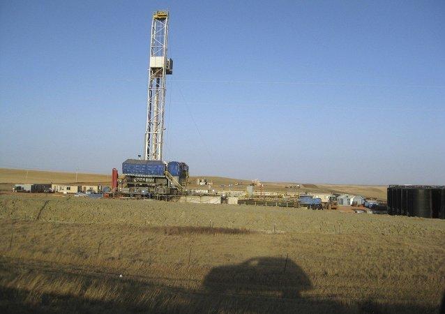 Impianto per estrazione di gas di scisto (foto d'archivio)