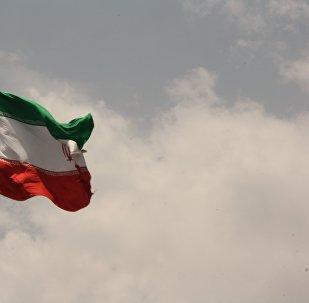 Bandiera iraniana a Teheran
