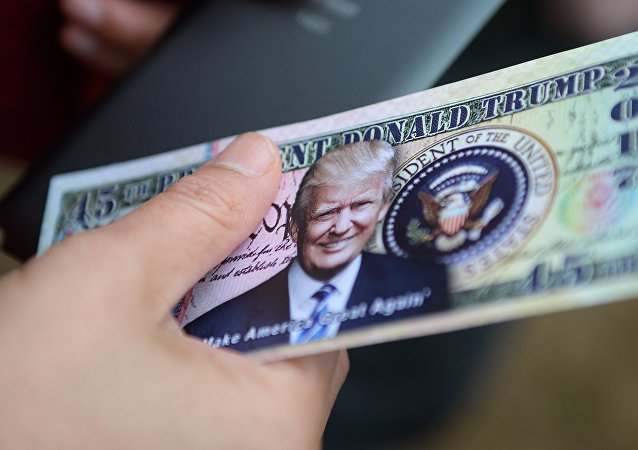 Dollari con l'immagine di Donald Trump