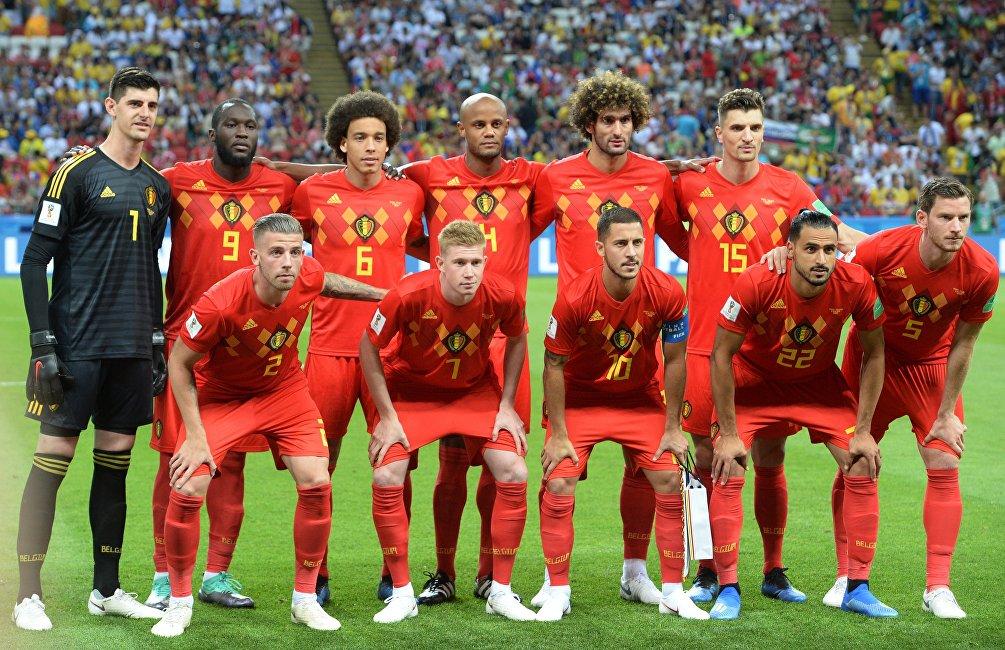 La nazionale del Belgio prima del fischio d'inizio del quarto di finale con il Brasile