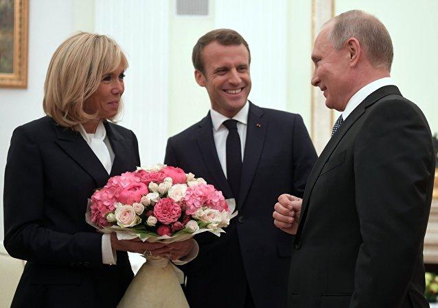 Incontro Putin-Macron a Mosca (foto d'archivio)