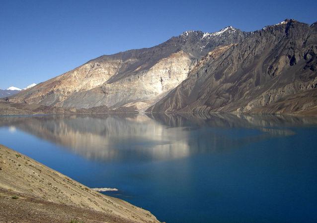 Lago Sarez