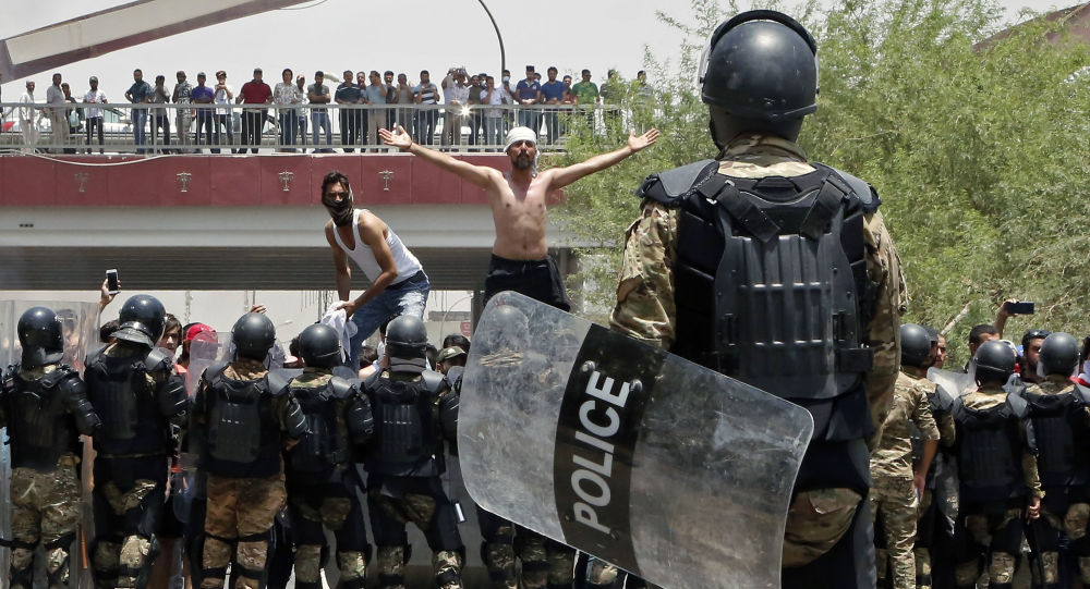 Proteste a Basra, Iraq, il luglio 15 2018