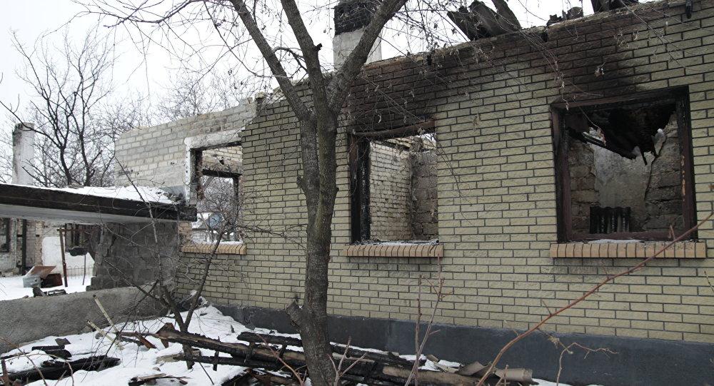 Le conseguenze dei bombardamenti a Enakievo nella regione di Donetsk.