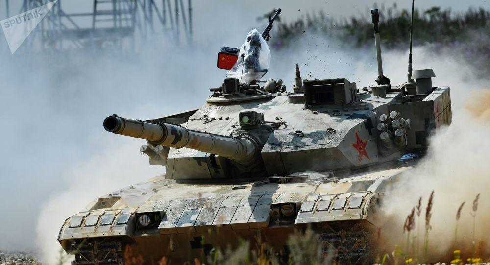 Un carro armato cinese ai Giochi militari al poligono Alabino (foto d'archivio)