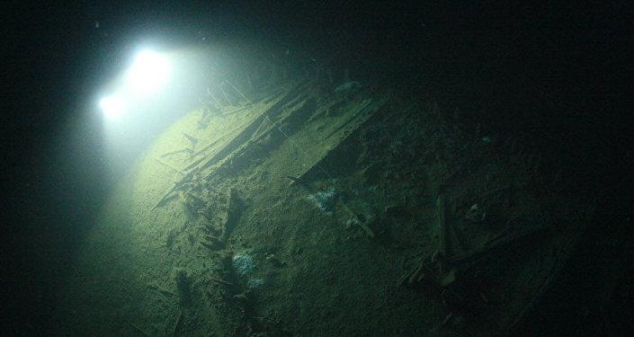 Lo scafo di una nave tonda di epoca romana al largo di Sebastopoli