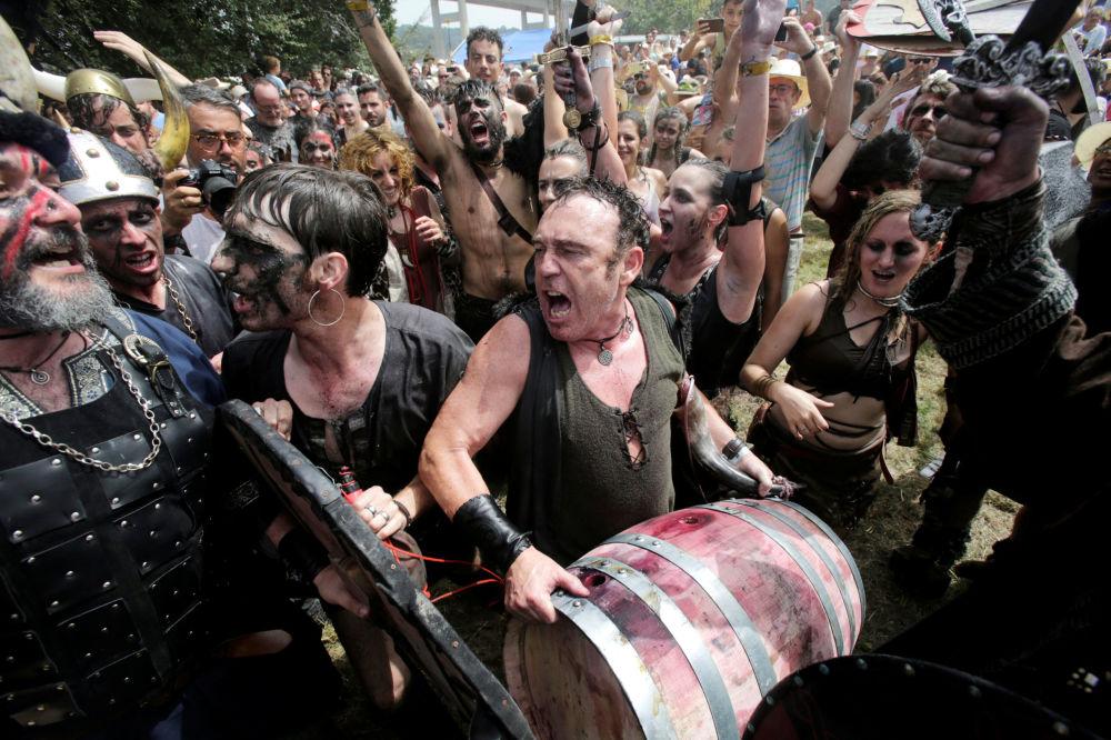 Festival dei vichinghi a Catoira, Spagna.