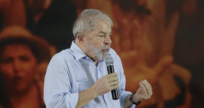 Former Brazilian President Luiz Inacio Lula da Silva speaks during a meeting with the executive members of the Workers Party, in Sao Paulo, Brazil, Thursday, Jan. 25, 2018