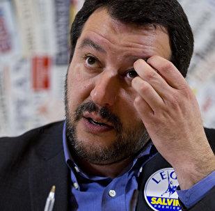 Matteo Salvini durante una conferenza stampa a Roma