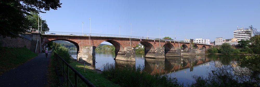 Il ponte sulla Mosella a Treviri, in Germania