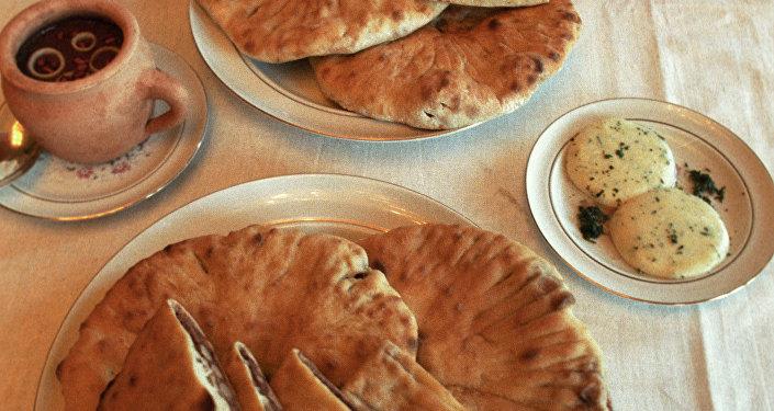 khachapuri, piatto tipico georgiano