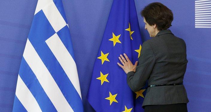 Bandiere dell'UE e della Grecia