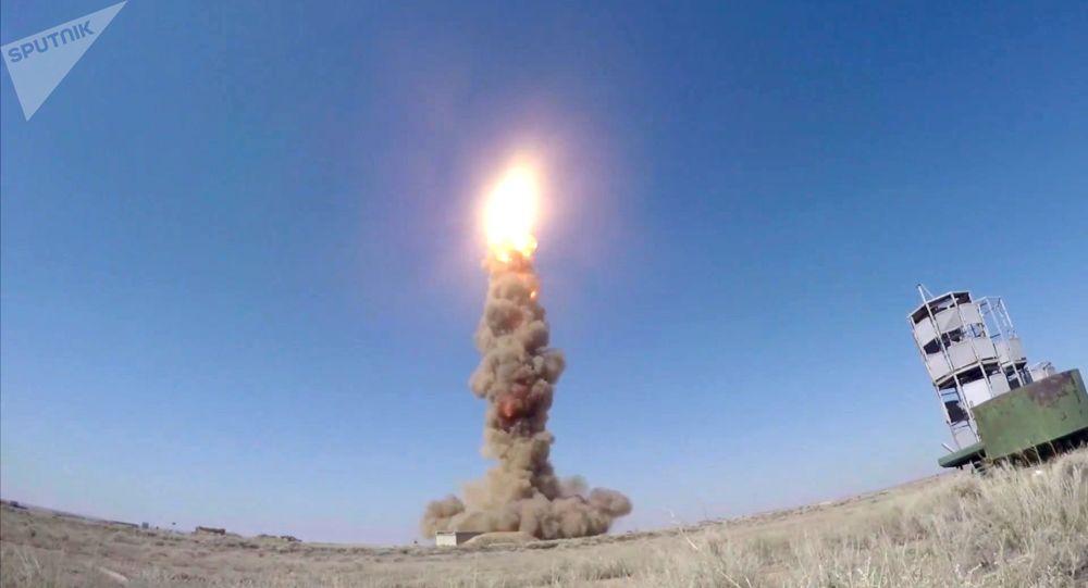 Test missilistico di contraerea al poligono di Sary-Shagan