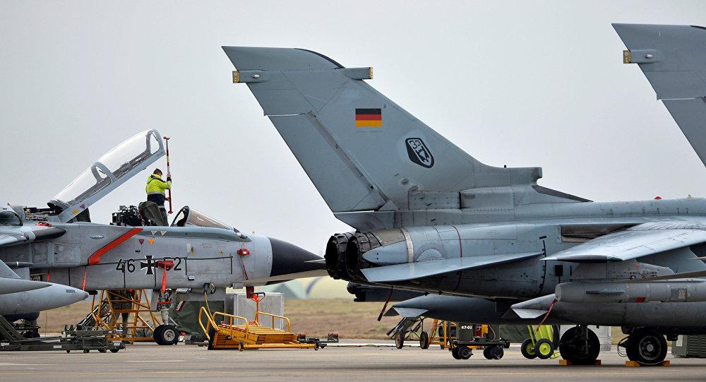 Aufklärungsflugzeuge Tornado auf dem türkischen Militärstützpunkt Incirlik