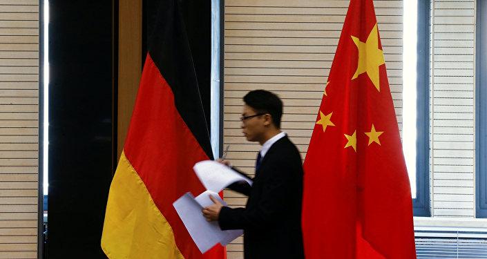 Le bandiere della Germania e della Cina